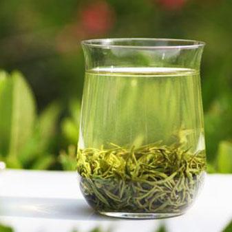 夏天喝绿茶的好处 过暑怎能不饮茶