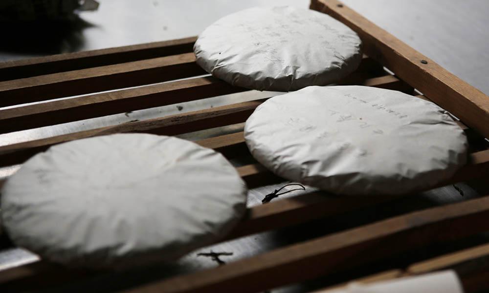 7.手工艺制作茶叶是我国传统文化的重要组成部分,在庄园里手工采茶,体验制茶,体验从鲜叶到茶杯的全过程,助于发扬和传承在云南延续上千年的普洱茶传统制作工艺和文化。