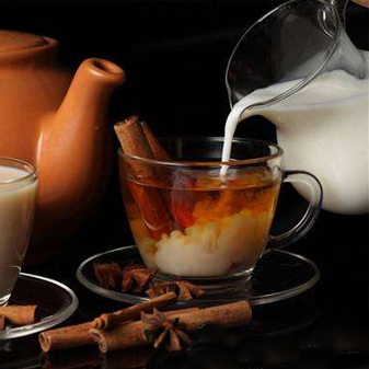 制作奶茶时 到底应该先放奶还是先放茶