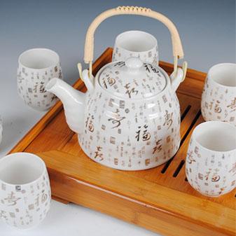 似玉类冰的瓷器茶具 壶友须知的发展历史